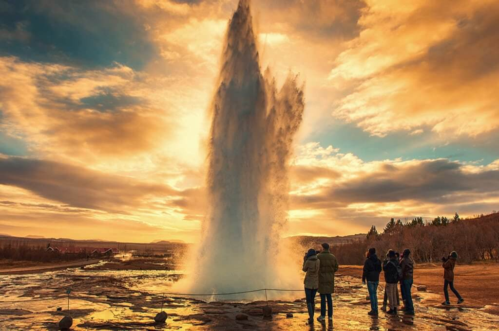 3 days, South Coast, Golden Circle & Northern Lights - Geysir - friend in iceland