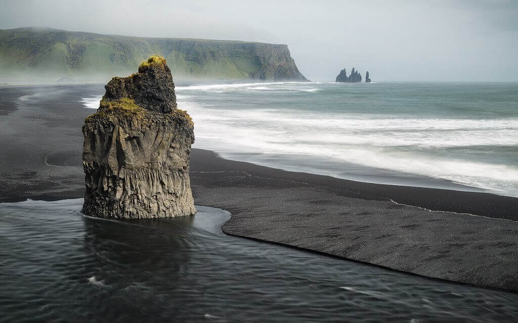 3 days, South Coast, Golden Circle & Northern Lights - reynisfjara - friend in iceland