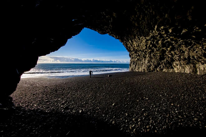 Private tours - Black beach - friend in iceland